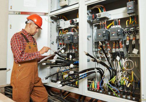 Eerste Monteur Elektrotechnische Installaties Industrie